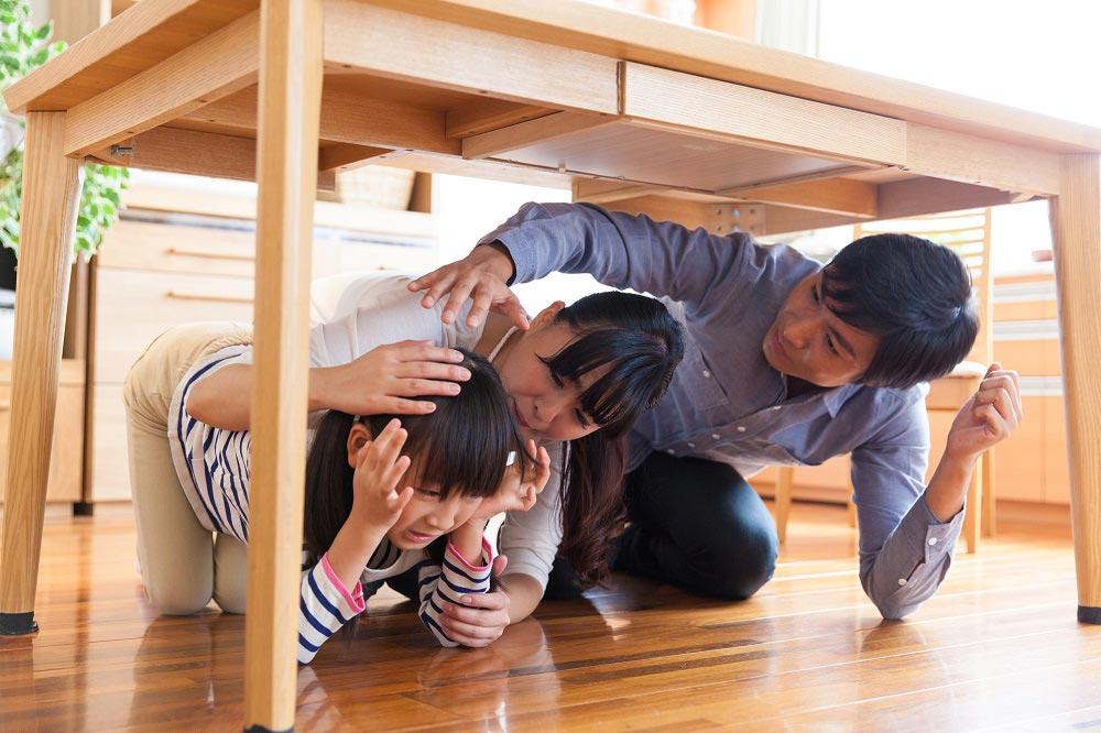地震対策家族